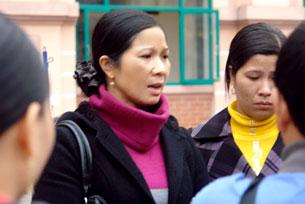 Chị Nguyễn Thị Thơm, mẹ của nữ sinh Nguyễn Thị Thanh Thúy