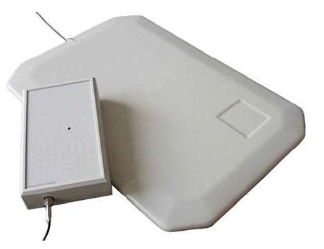ISC.MR102 - Mid Range Reader RFID HF ISO 15693 per antenna esterna