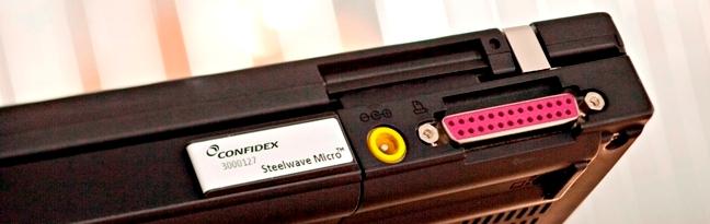 On Metal Tag RFID UHF Confidex Steel Wave Micro. Ottime performance e ridotte dimensioni