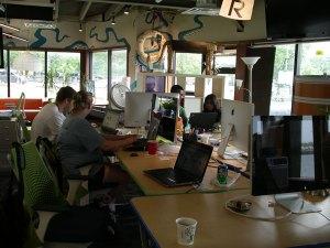 LeanDog〔リーンドッグ)のオフィスはボート。たま~に揺られながら作業しました〔笑)