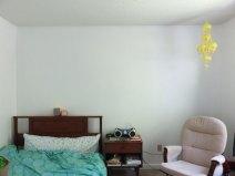 真っ白でがら~んとした壁。これからの課題ですな。
