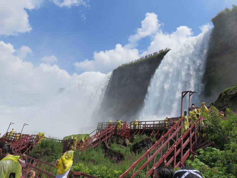 家族みんなでナイアガラの滝に出かけたり。