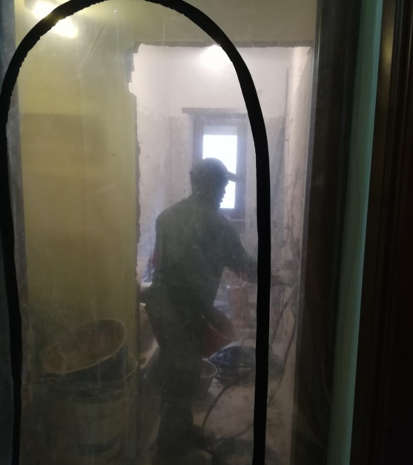 Rifacimento di un bagno in un appartamento abitato
