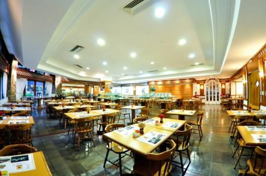 hotel-continetal-canela-coffeeshop