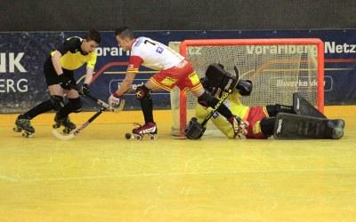 U20-Junioren gewinnen tor- und kartenreiches Spiel gegen Wimmis