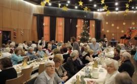 01400-47-380-foto-zahlreiche-besucher-beim-adventskaffee-des-club-2016p000480886