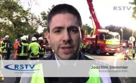 LKW stürzt auf A59 in einen Graben