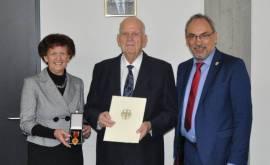Heribert Schwalge erhält die Verdienstmedaille der Bundesrepublik Deutschland 2