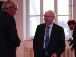 Verdienstmedaille für Helmut Hinterkausen aus Siegburg