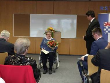 Aushändigung der Bundesverdienstmedaille an Hannelore Mewes, Sankt Augustin