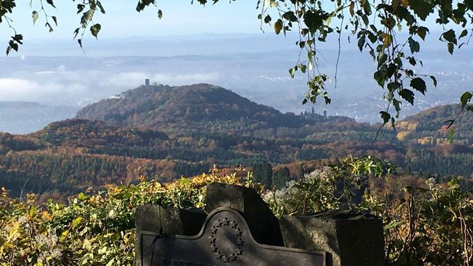 View from Ölberg, Siebengebirge, over Drachenfels