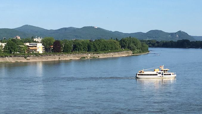Rhine at Bonn, Siebengebirge