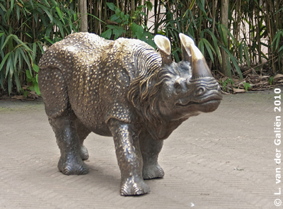 Statue vor der Infotafel, 29. Juni 2010