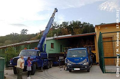 Baabuus Transportkiste wurde abgeladen, 17. September 2011
