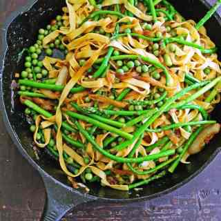 asparagus pasta with peas