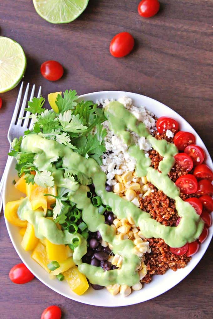 Southwest quinoa salad with green chile avocado dressing! An awesome, flavorful, protein packed vegetarian salad. // Rhubarbarians