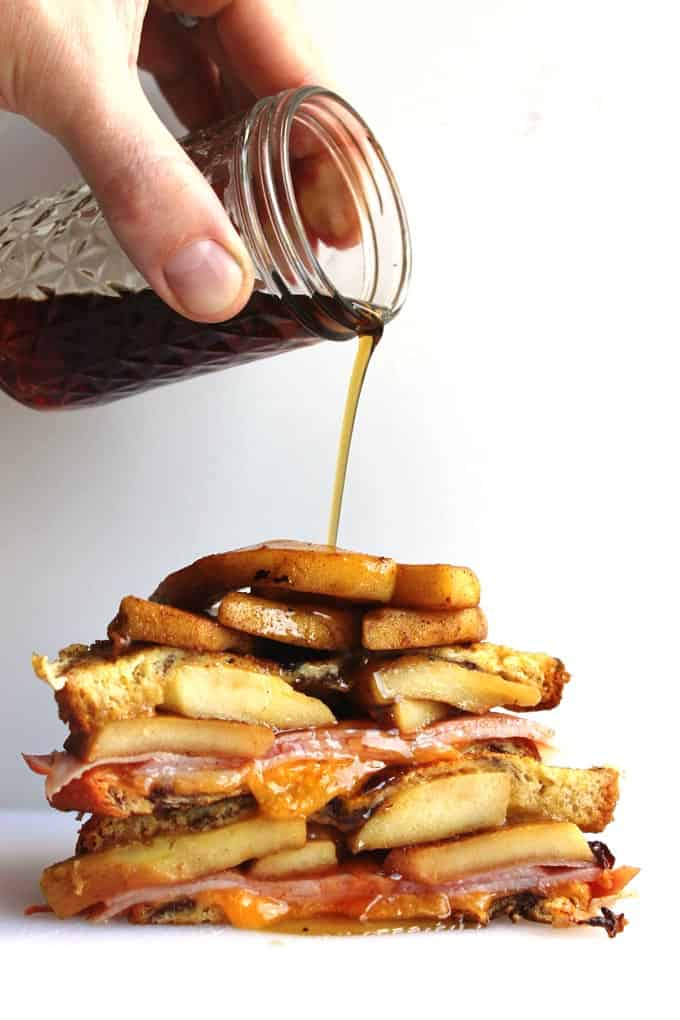 Apple cinnamon monte cristo! A simple and delicious apple cinnamon spin on the classic ham and cheese french toast sammie.