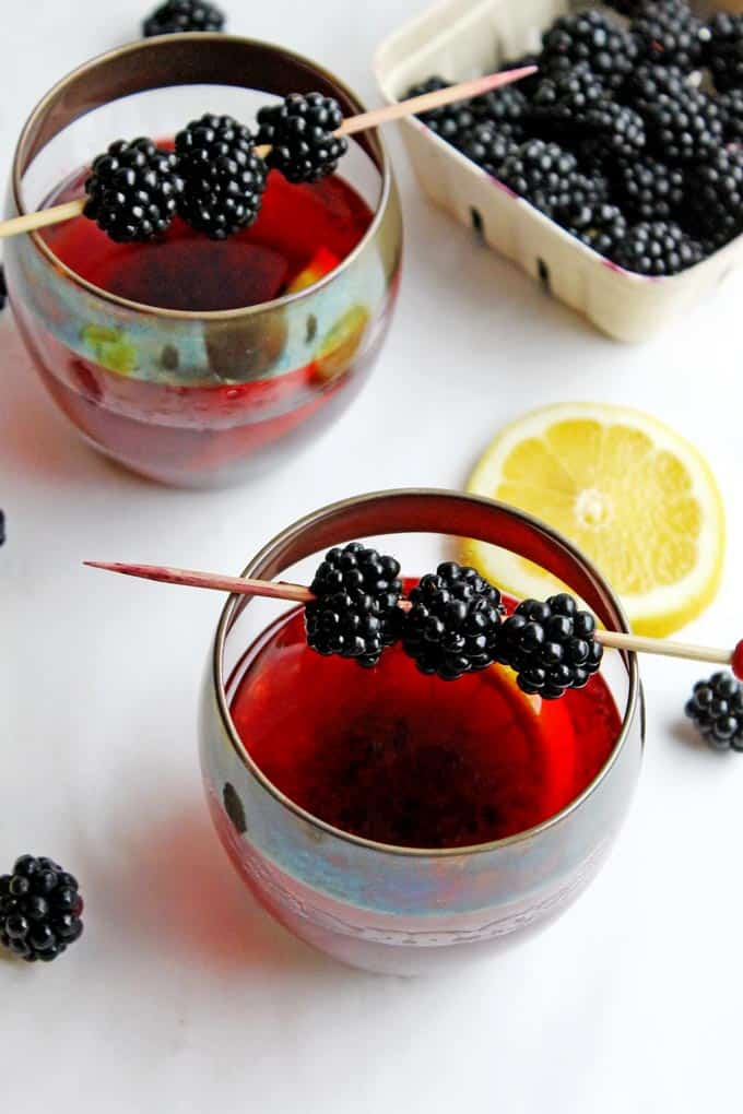 Blackberry lemon old fashioned - a refreshing and delicious spin on the classic old fashioned cocktail!