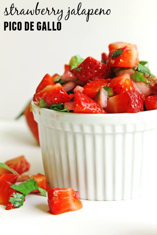 Strawberry jalapeno pico de gallo recipe! Only a handful of ingredients and ready in less than 10 minutes. So good!