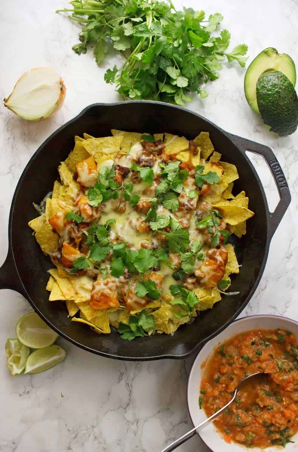 Vegan chilli nachos + 15 Farmers market recipes to make in January! Delicious, winter, (mostly) healthy recipes made with fresh, seasonal produce from your local farmers market or CSA bin. Eat local!