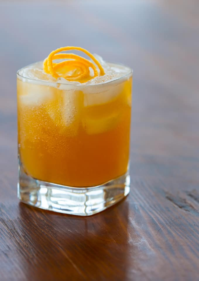 Maple meyer lemon whiskey sour + 15 Farmers market recipes to make in March! Delicious, vegetarian, late winter/ early spring, (mostly) healthy recipes made with fresh, seasonal produce from your local farmers market or CSA bin. Eat local!