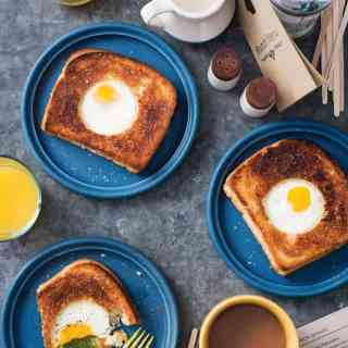 Portlandia grilled cheese with egg in the hole