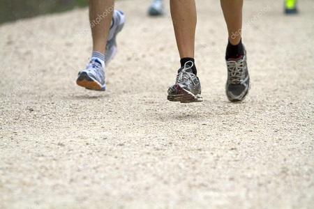 Con scarpe da corsa super-ammortizzanti più lesioni a corridori ... cd5ae4b53e7
