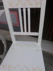 sedia bianca e tortora