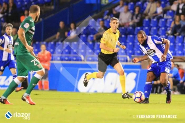 Con el 1-2 en el marcador, Garitano decidió apostar por Ryan Babel