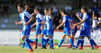 Pinchi señalando después de su gol en el Arosa - Deportivo