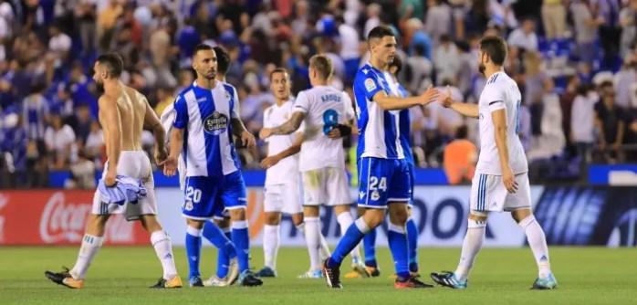 Saludo final: Deportivo - Real Madrid: Schar y Guilherme