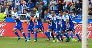 Jugadores del Deportivo Coruña celebrando gol de Florin Andone