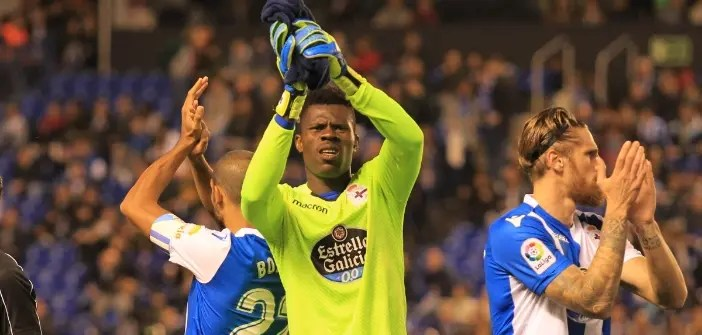 Francis saluda a la afición tras el Deportivo - Girona
