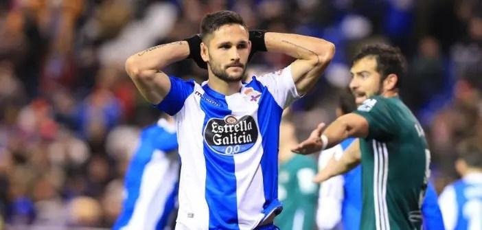 Florin Andone, lamentándose en el Deportivo - Betis