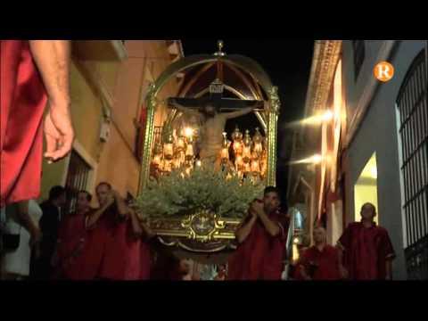 Les festes d'Albalat de la Ribera apleguen a la fi amb la processó en honor al Crist de les Campanes