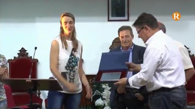 L'Ajuntament de l'Alcúdia reconeix el treball de les xiques del Club d'Handbol