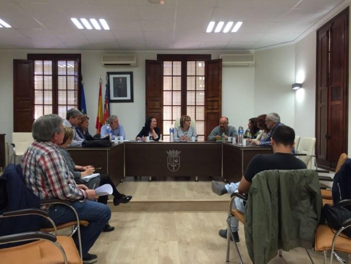 El Área de Asesoramiento Municipal reúne a los alcaldes de La Ribera para informar de sus funciones