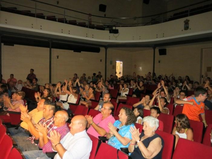 L'Ajuntament de Turís va disposar el Teatre Ideal per a seguir la final de la gimnàstica rítmica dels Jocs Olímpics de Río.