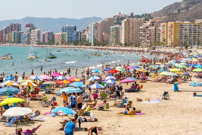 Cullera consolida la recuperació del turisme amb una ocupació del 98 % a l'agost
