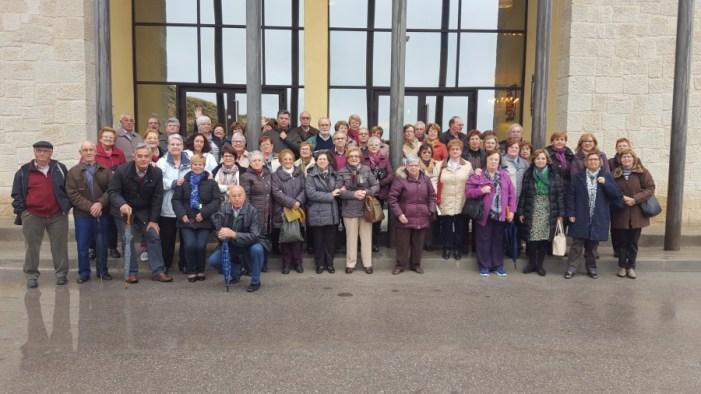 Els jubilats i pensionistes d'Almussafes visiten el Museu del Torró de Xixona