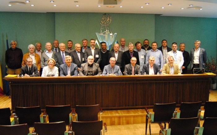 La asamblea de AVA-ASAJA reelige a Cristóbal Aguado presidente y acuerda una protesta contra Alcampo