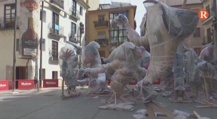 Visitem la falla de la Plaça del Pilar a València