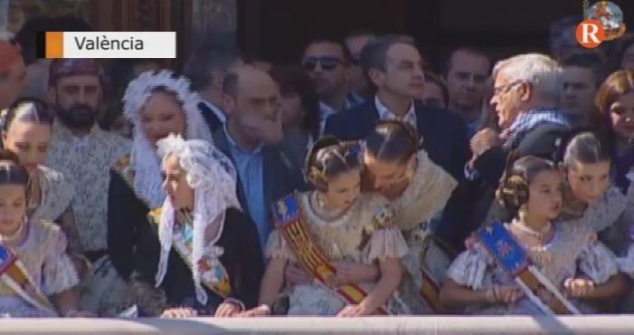 Zapatero junt a Puig en la mascletà de València
