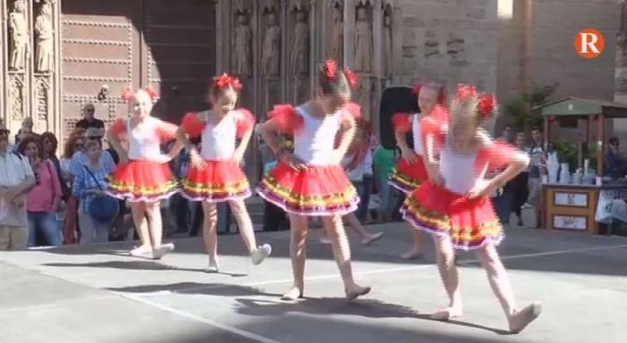 A València, el Dia de la Diversitat Cultural, trau al carrer 18 entitats de diverses nacionalitats