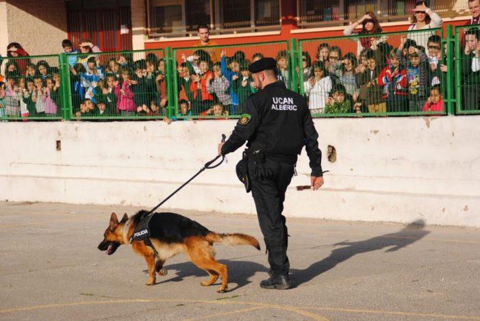 La Unitat Canina d'Alberic s'incorpora a un projecte pioner per a detectar el càncer a través de l'olfacte dels gossos
