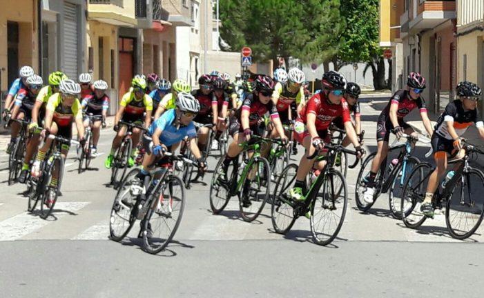 Més de 260 joves ciclistes es reuneixen a Almussafes en el II Trofeu d'Escoles de Ciclisme