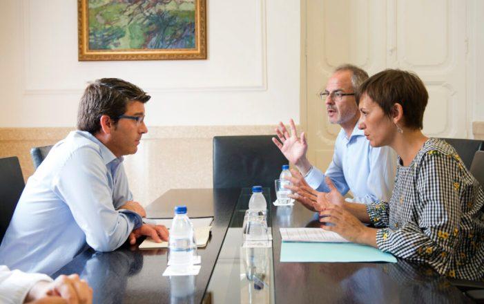 L'alcaldessa de Benifaió i el primer tinent es reuneixen amb el President de la Diputació