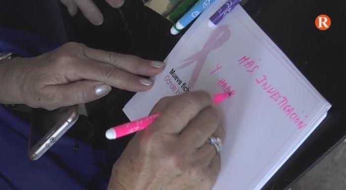 L'Hospital de la Ribera ha celebrat el Dia Mundial contra el Càncer de Mama amb una partida de dames gegant