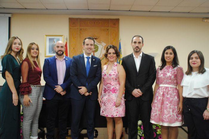Alberic presenta a la seua nova fallera major local, María José González