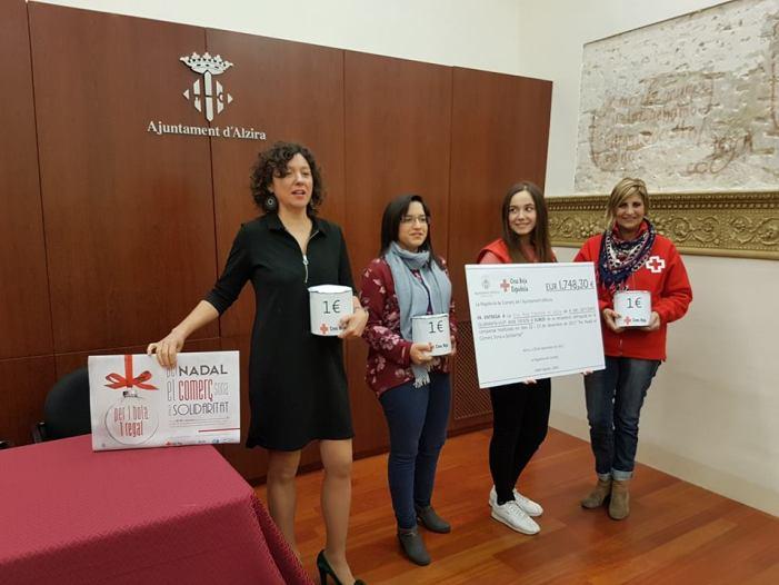 Creu Roja rep el 1.748 euros de recaptació de la campanya Per Nadal el Comerç Sona a Solidaritat